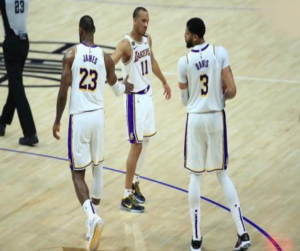 Lakers Libas Clippers 112-103, Ini Komentar LeBron James