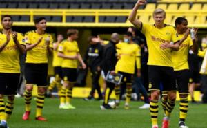 Borussia Dortmund vs Schalke, Kekalahan RevierDerby Saat Bundesliga Kembali